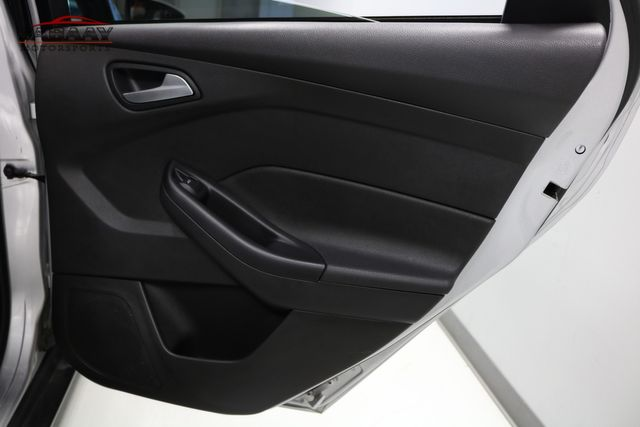 2015 Ford Focus SE Merrillville, Indiana 25