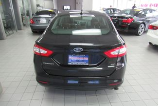 2015 Ford Fusion SE W/ NAVIGATION SYSTEM / BACK UP CAM Chicago, Illinois 3