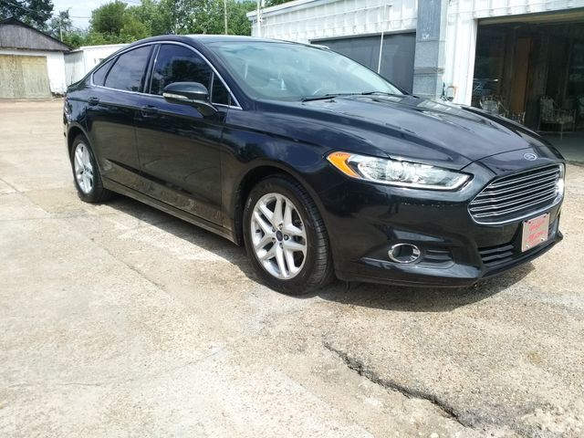 2015 Ford Fusion SE Houston, Mississippi 1