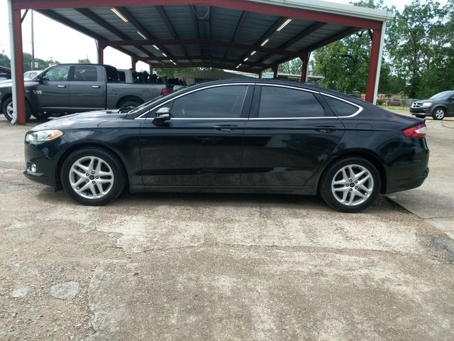 2015 Ford Fusion SE Houston, Mississippi 3
