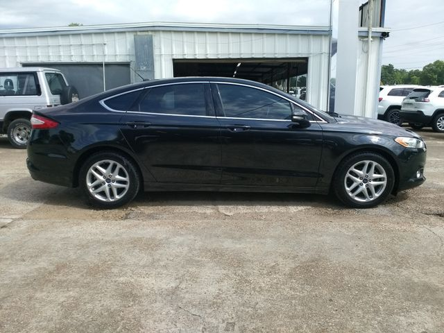 2015 Ford Fusion SE Houston, Mississippi 2