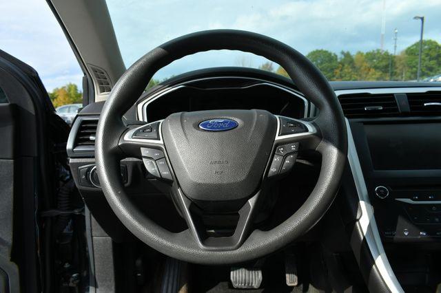 2015 Ford Fusion Hybrid SE Naugatuck, Connecticut 18