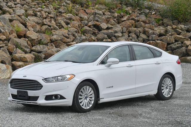 2015 Ford Fusion Hybrid SE Naugatuck, Connecticut