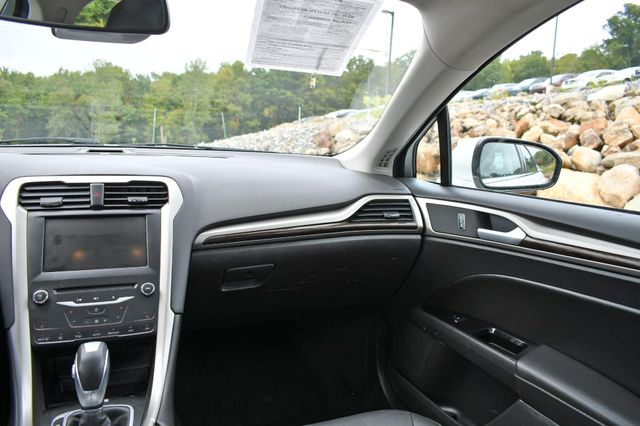 2015 Ford Fusion Hybrid SE Naugatuck, Connecticut 17