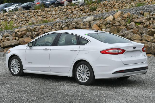 2015 Ford Fusion Hybrid SE Naugatuck, Connecticut 2