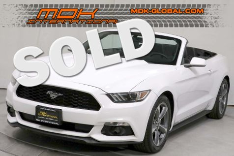2015 Ford Mustang V6 - Auto - Sync - Back up camera - Keyless in Los Angeles