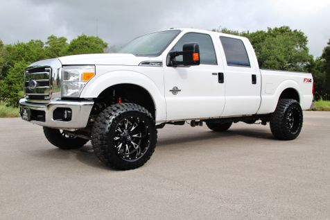 2015 Ford Super Duty F-250 Pickup XLT - LIFTED in Liberty Hill , TX