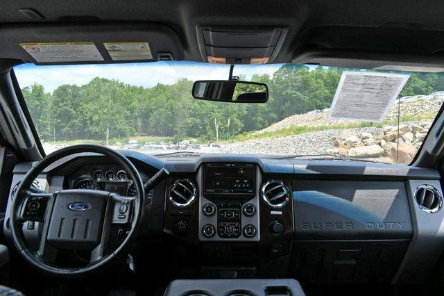 2015 Ford Super Duty F-250 Pickup Lariat 4WD Naugatuck, Connecticut 13