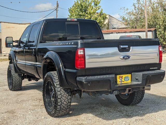 2015 Ford Super Duty F-250 Pickup Platinum in Pleasanton, TX 78064