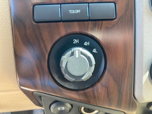 2015 Ford Super Duty F-350 DRW Pickup Lariat in Boerne, Texas 78006