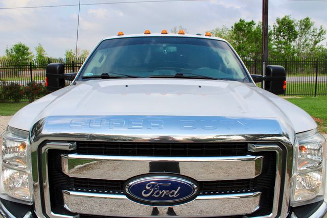 2015 Ford Super Duty F-350 DRW Pickup Lariat Sealy, Texas 14
