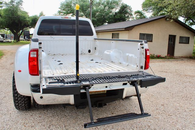 2015 Ford Super Duty F-350 DRW Pickup Lariat Sealy, Texas 17