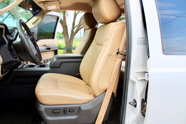 2015 Ford Super Duty F-350 DRW Pickup Lariat Sealy, Texas 34
