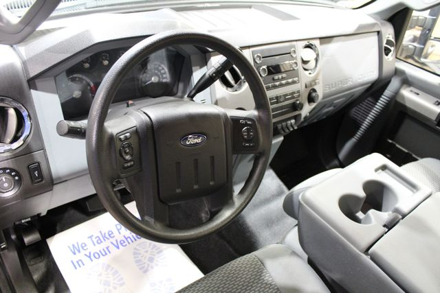 2015 Ford Super Duty F-350 dually 4x4 XLT in Roscoe IL, 61073
