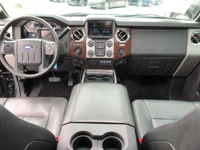2015 Ford Super Duty F-350 Lariat 4X4 in Gower Missouri, 64454