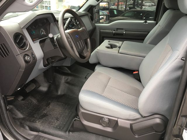 2015 Ford Super Duty F-350 XL 4X4 in Gower Missouri, 64454
