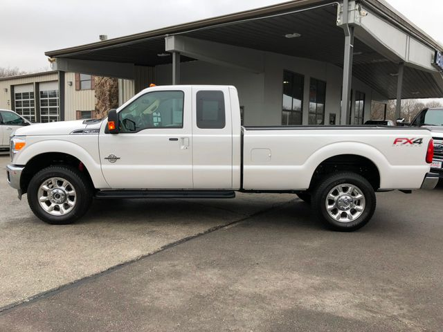 2015 Ford Super Duty F-350 Lariat 4X4 in Gower Missouri, 64454