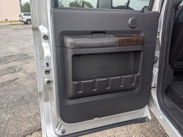 2015 Ford Super Duty F-350 SRW Pickup Platinum in Pleasanton, TX 78064