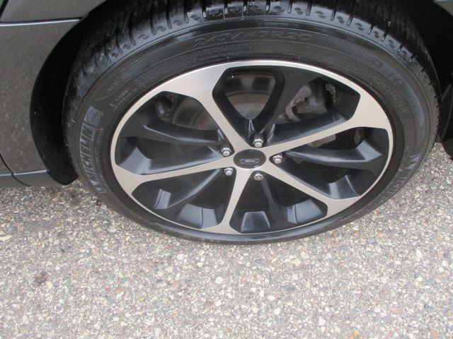 2015 Ford Taurus SEL Farmington, MN 4
