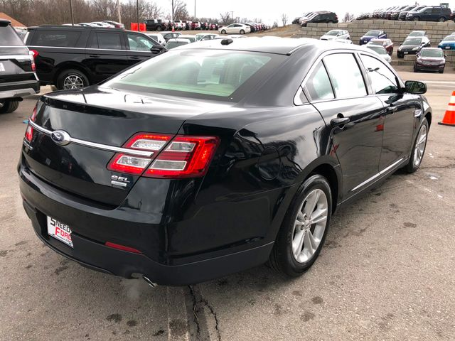 2015 Ford Taurus SEL in Gower Missouri, 64454