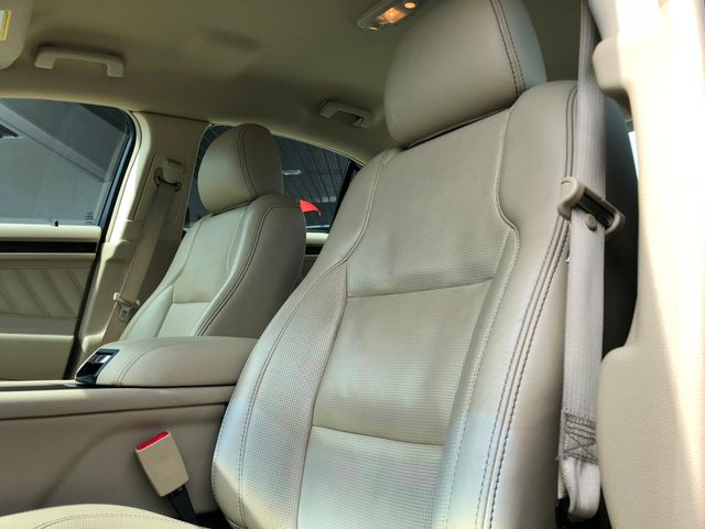 2015 Ford Taurus Limited in Gower Missouri, 64454