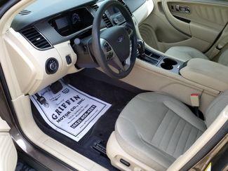 2015 Ford Taurus SE Houston, Mississippi 8