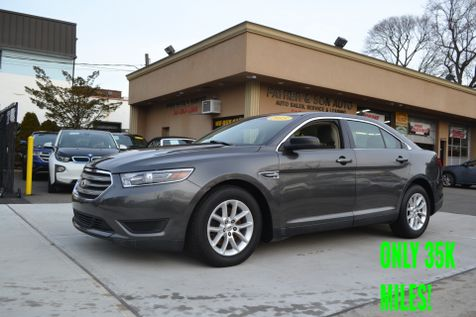 2015 Ford Taurus SE in Lynbrook, New