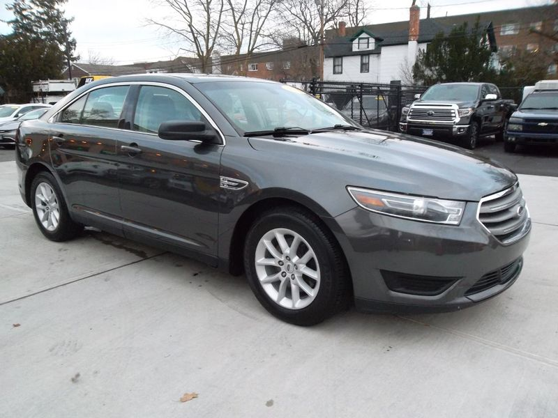 2015 Ford Taurus SE  city New  Father  Son Auto Corp   in Lynbrook, New