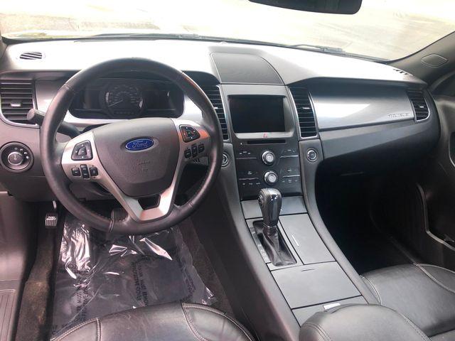2015 Ford Taurus SEL Maple Grove, Minnesota 10