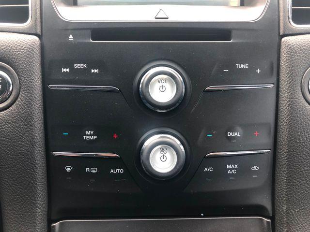 2015 Ford Taurus SEL Maple Grove, Minnesota 29