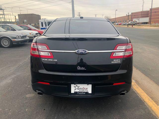 2015 Ford Taurus SEL Maple Grove, Minnesota 3