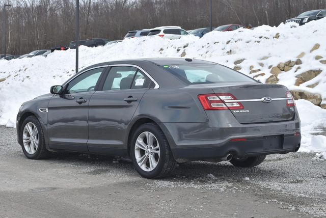 2015 Ford Taurus SEL Naugatuck, Connecticut 2