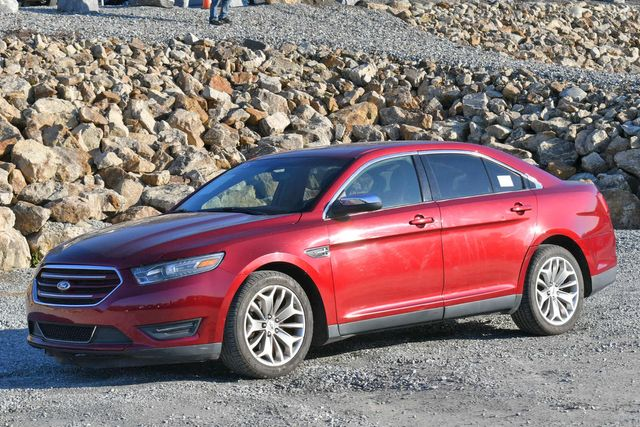 2015 Ford Taurus Limited Naugatuck, Connecticut