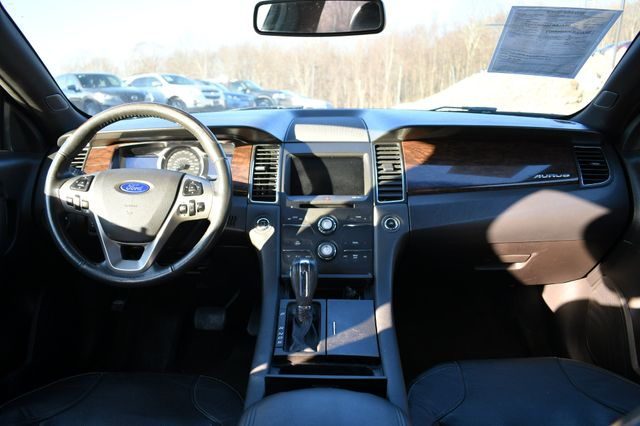 2015 Ford Taurus Limited Naugatuck, Connecticut 16