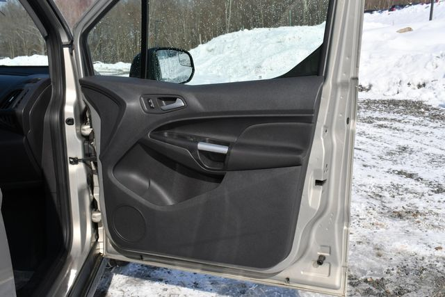 2015 Ford Transit Connect Wagon XLT Naugatuck, Connecticut 12