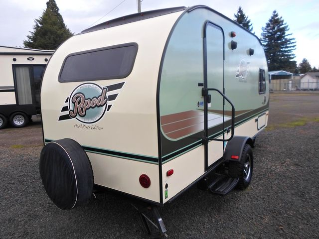 2015 Forest River R-Pod Hood River Edition 179 Salem, Oregon 3