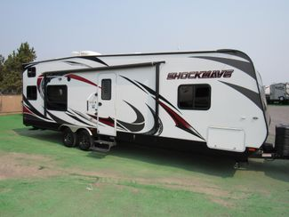 2015 Forest River Shockwave T27FQDX/Slide LIKE NEW! Bend, Oregon 3