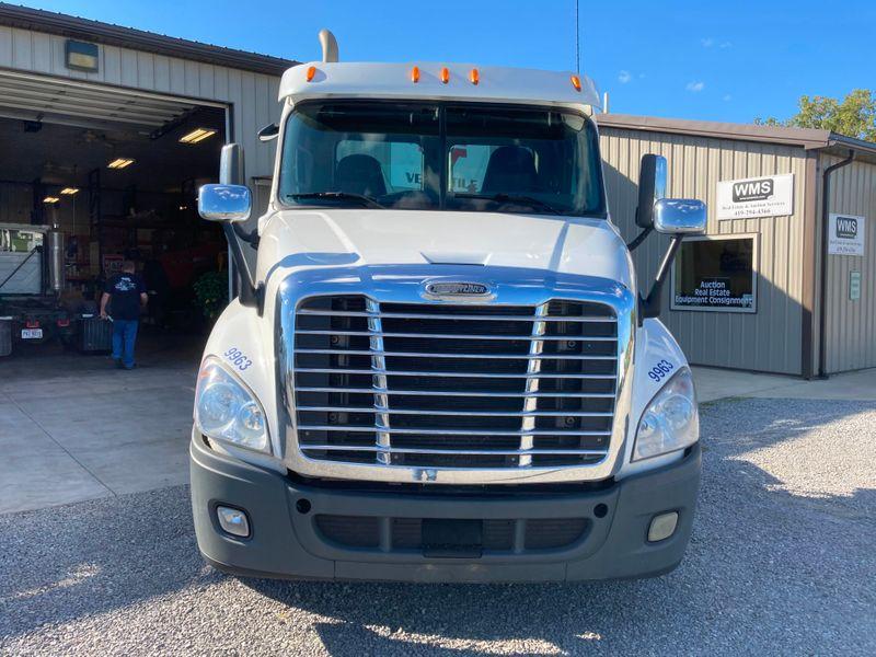 2015 Freightliner CASCADIA 125   in , Ohio