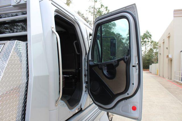 2015 Freightliner M2 10 Sport SportChassis RHA 114 Luxury Diesel Hauler CONROE, TX 30