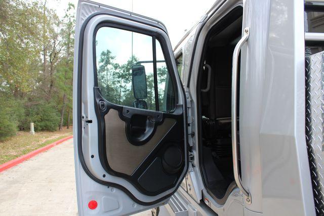 2015 Freightliner M2 10 Sport SportChassis RHA 114 Luxury Diesel Hauler CONROE, TX 32