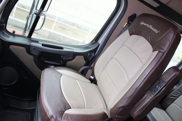 2015 Freightliner M2 10 Sport SportChassis RHA 114 Luxury Diesel Hauler CONROE, TX 28