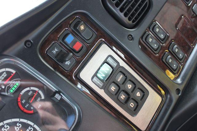 2015 Freightliner M2 10 Sport SportChassis RHA 114 Luxury Diesel Hauler CONROE, TX 44