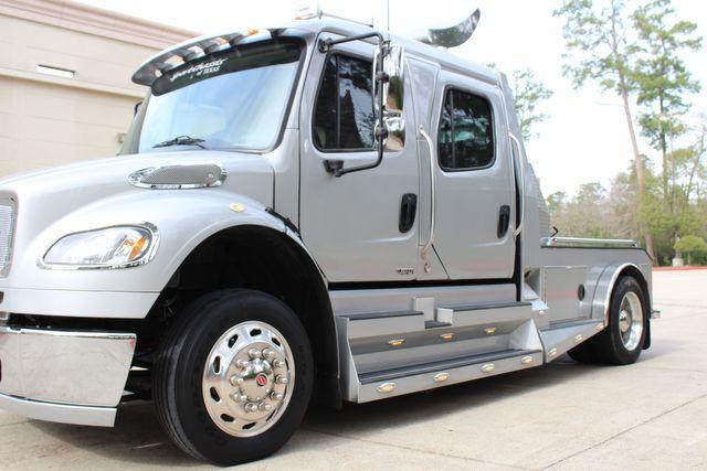 2015 Freightliner M2 10 Sport SportChassis RHA 114 Luxury Diesel Hauler CONROE, TX 7