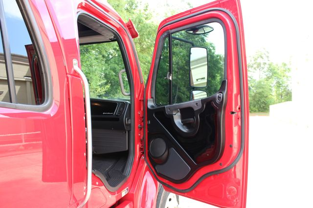 2015 Freightliner M2 106 SportChassis RHA 114 Luxury Ranch Hauler CONROE, TX 25