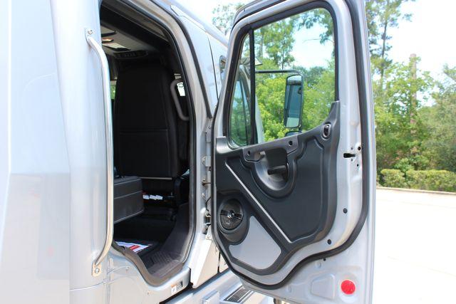 2015 Freightliner M2 106 SPORTCHASSIS RHA LUXURY HAULER TRUCK CONROE, TX 25