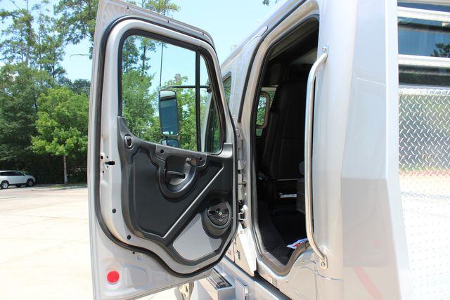 2015 Freightliner M2 106 SPORTCHASSIS RHA LUXURY HAULER TRUCK CONROE, TX 28