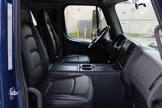 2016 Freightliner M2 106 SPORTCHASSIS RHA LUXURY DIESEL HAULER MEDIUM DUTY CONROE, TX 26