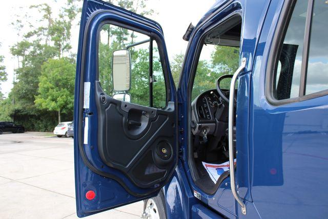 2016 Freightliner M2 106 SPORTCHASSIS RHA LUXURY DIESEL HAULER MEDIUM DUTY CONROE, TX 34