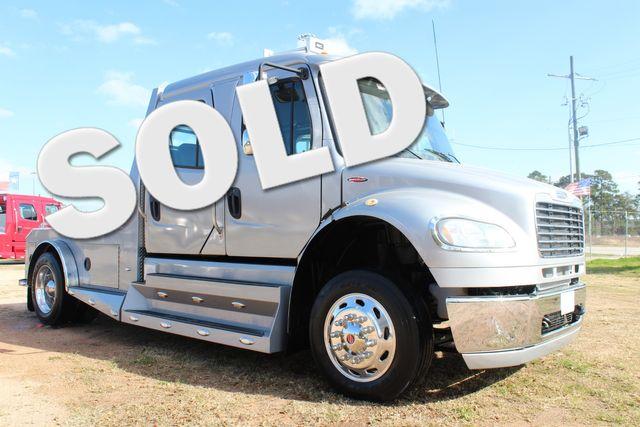 2015 Freightliner M2 106 SPORTCHASSIS RHA Luxury Ranch Diesel Hauler CONROE, TX