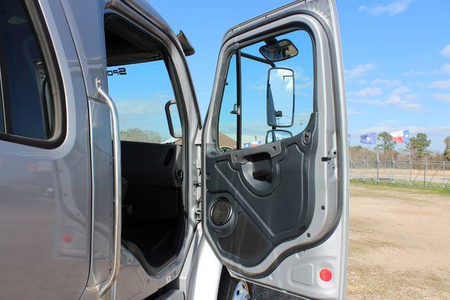 2015 Freightliner M2 106 SPORTCHASSIS RHA Luxury Ranch Diesel Hauler CONROE, TX 21